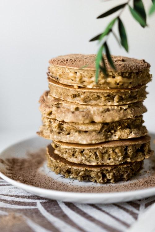 Pile de pancakes flocons d'avoine