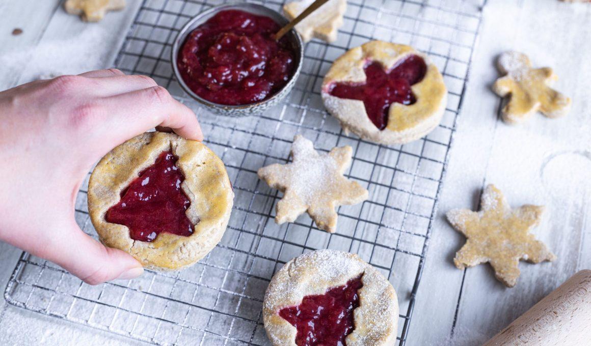Glutenvrije kerstkoeken met jam