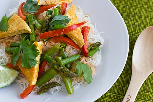 Thai Red Curry with Asparagus and Tofu