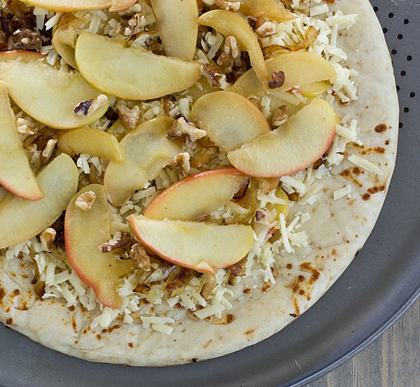 Apple Cheddar Pizza [Uncooked]