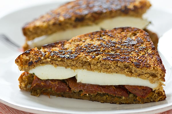 Mozzarella, Pesto & Sun-Dried Tomato Grilled Cheese