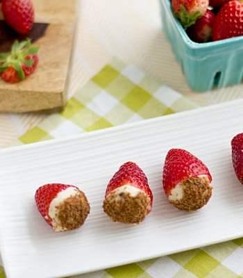 Vegan Chocolate Chip Cheesecake-Stuffed Strawberries