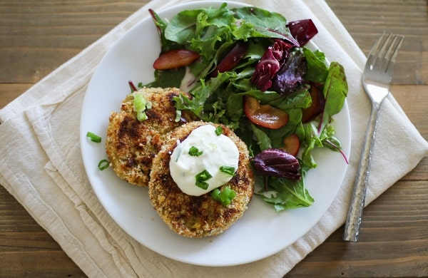 Crispy Cauliflower Cakes with Yogurt Dipping Sauce