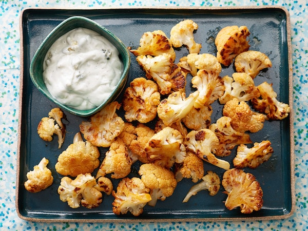 FNK_Buffalo-Cauliflower-with-Blue-Cheese-Sauce_s4x3