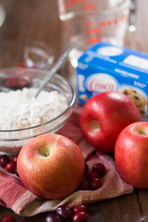 Chai-Spiced Cranberry Apple Pie