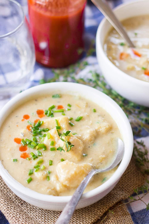 Cheesy Vegan Potato Leek Soup