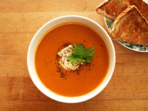 spicy tomato zucchini lentil soup