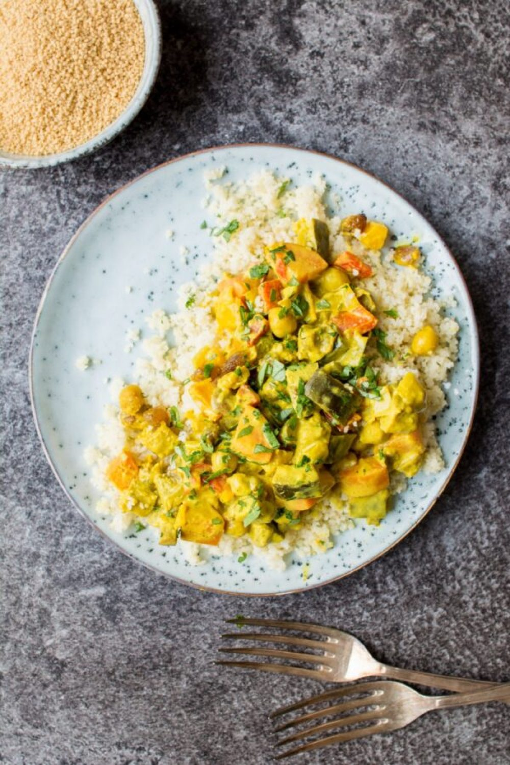 26 Creative and Delicious Turmeric Recipes: Vegetable Curry w/ Turmeric Coconut Sauce