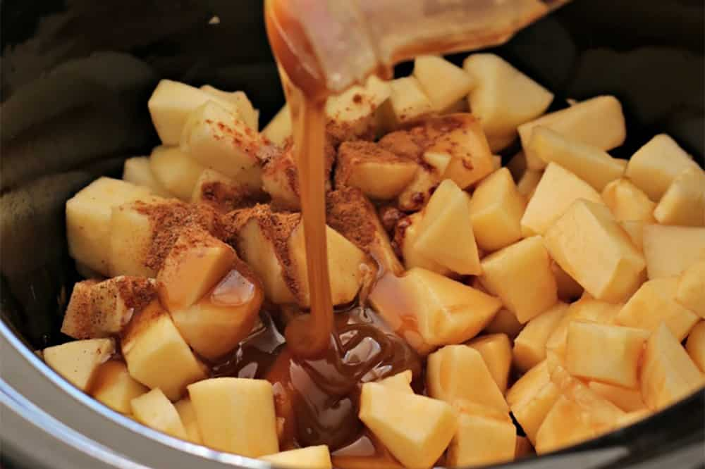 10 No Fuss Vegetarian Crockpot Dips: Apple Pie Dip