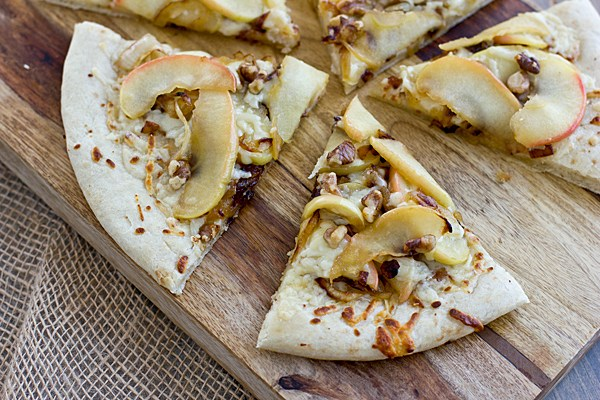 20 Savory Apple Recipes to Try This Fall: Apple Cheddar Pizza