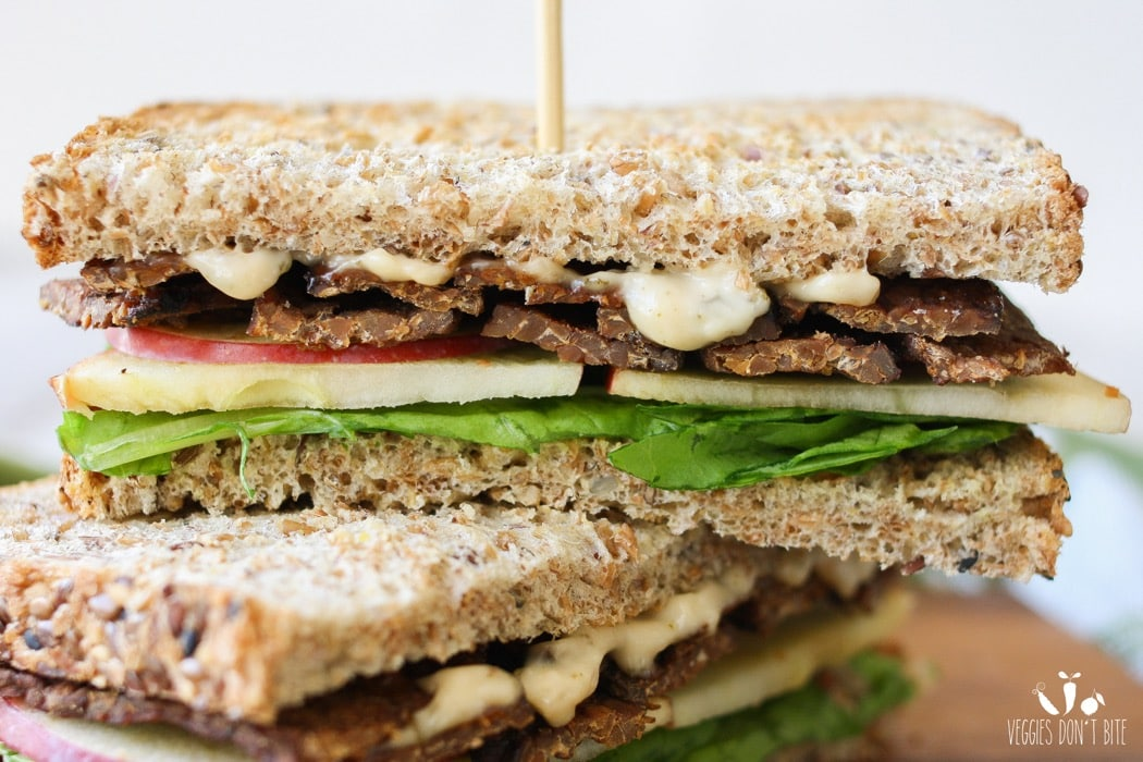 20 Savory Apple Recipes to Try This Fall: Smoky Tempeh Apple and Arugula Sandwich