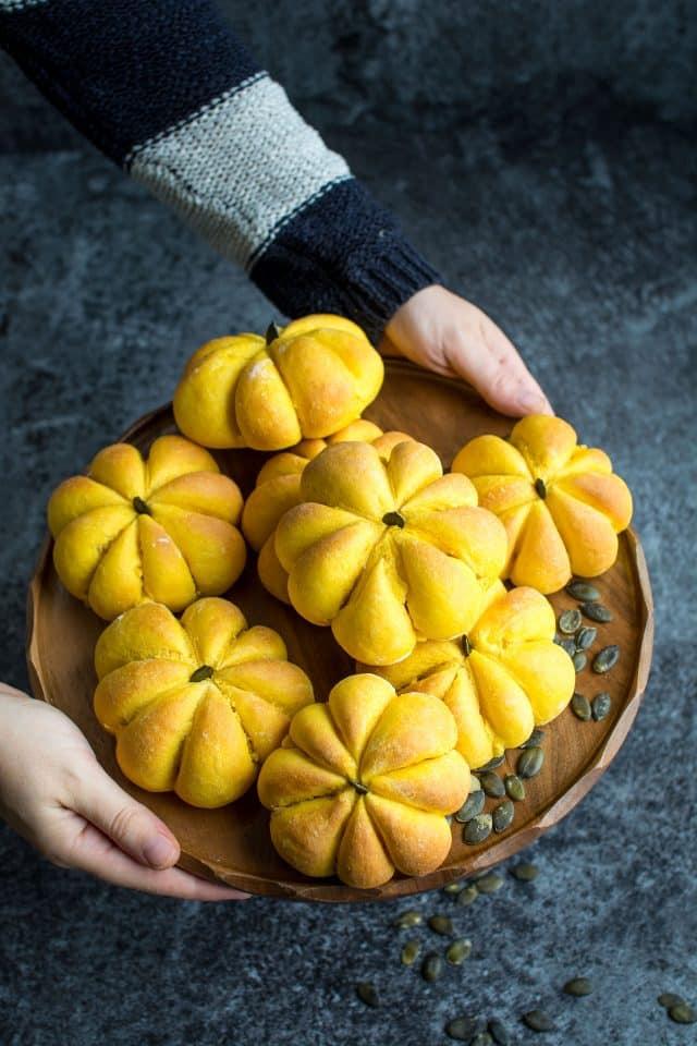 Creative Dinner Roll Recipes | Vegan Pumpkin Bread Rolls