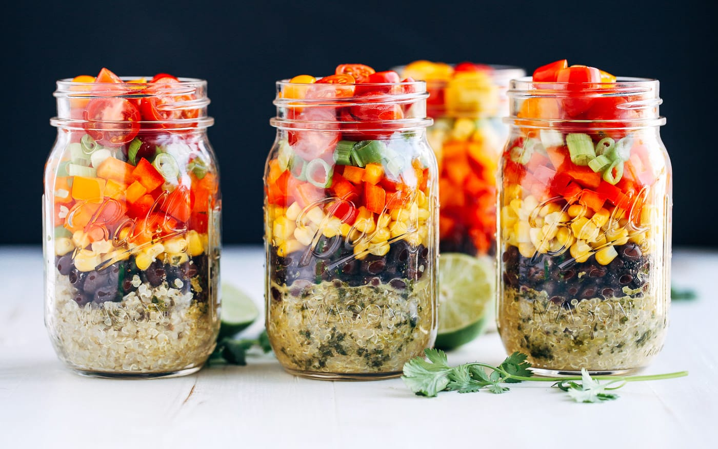 25 Vegetarian Mason Jar Meals to Help You Win at Lunch: Southwestern Quinoa Mason Jar Salads