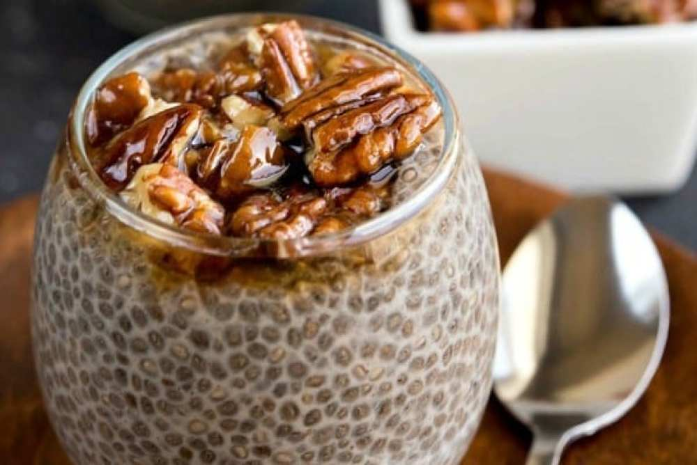 18 Chia Seed Pudding Recipes Everyone Will Love: Sticky Bun Chia Pudding