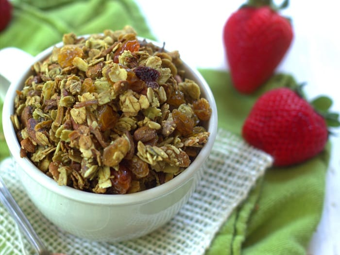 18 Irresistible Recipes for Homemade Granola: Green Tea Granola