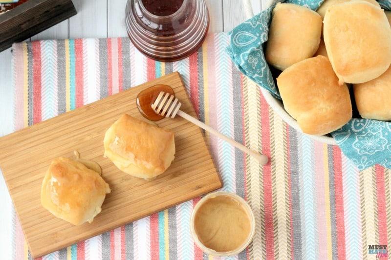 Creative Dinner Roll Recipes | Copycat Texas Roadhouse Dinner Rolls