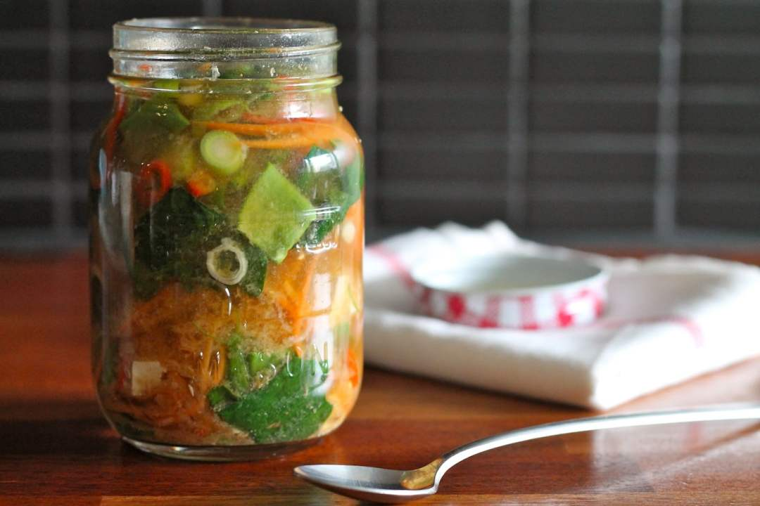 25 Vegetarian Mason Jar Meals to Help You Win at Lunch: Miso Veggie Soup in a Jar
