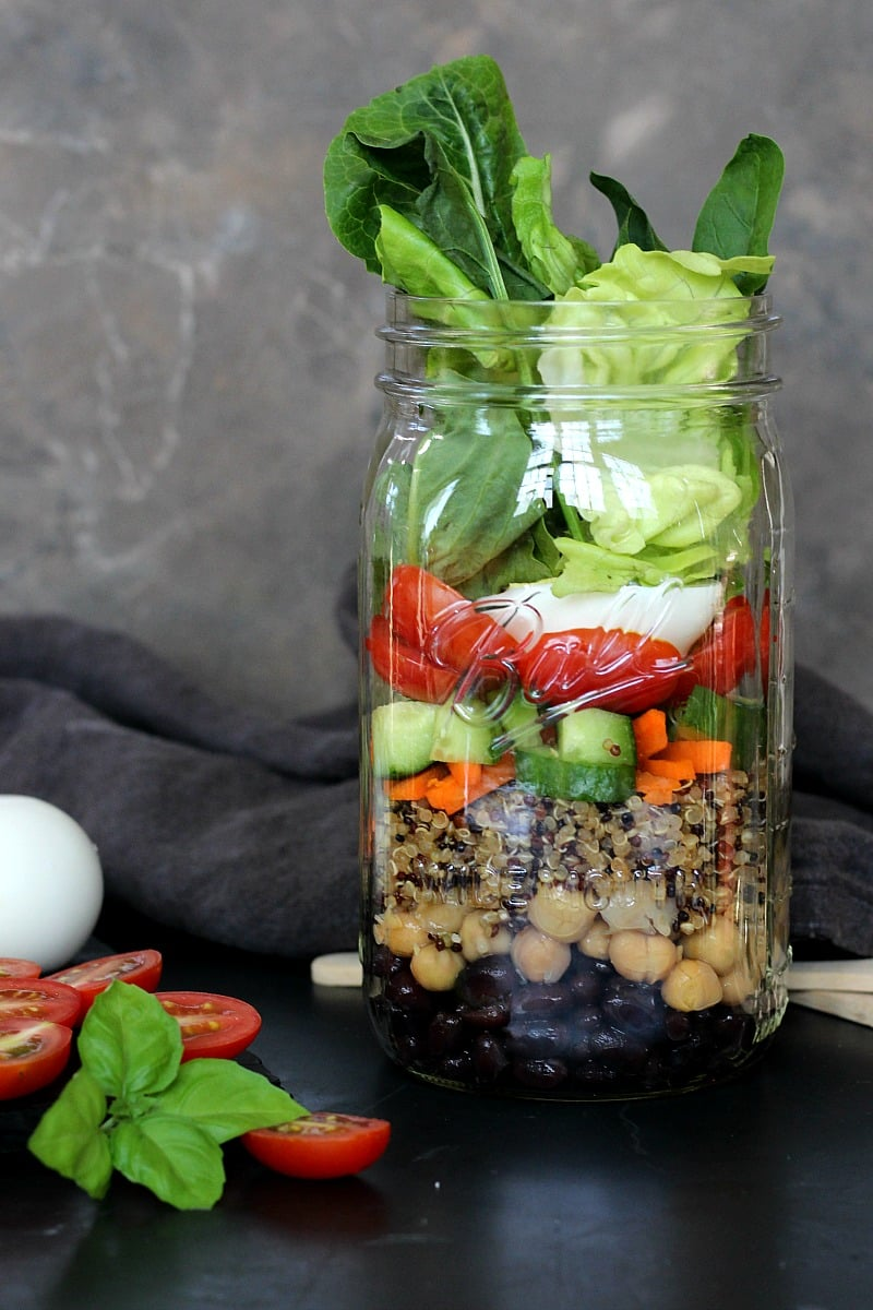 25 Vegetarian Mason Jar Meals to Help You Win at Lunch: Protein Power Mason Jar Salads