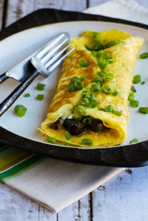 15 Irresistible Vegetarian Omelets to Make for Breakfast: Omelet with Mushrooms and Goat Cheese