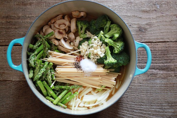18 Vegetarian One-Pot Pasta Recipes for Busy Weeknights: One-Pot Pasta Primavera