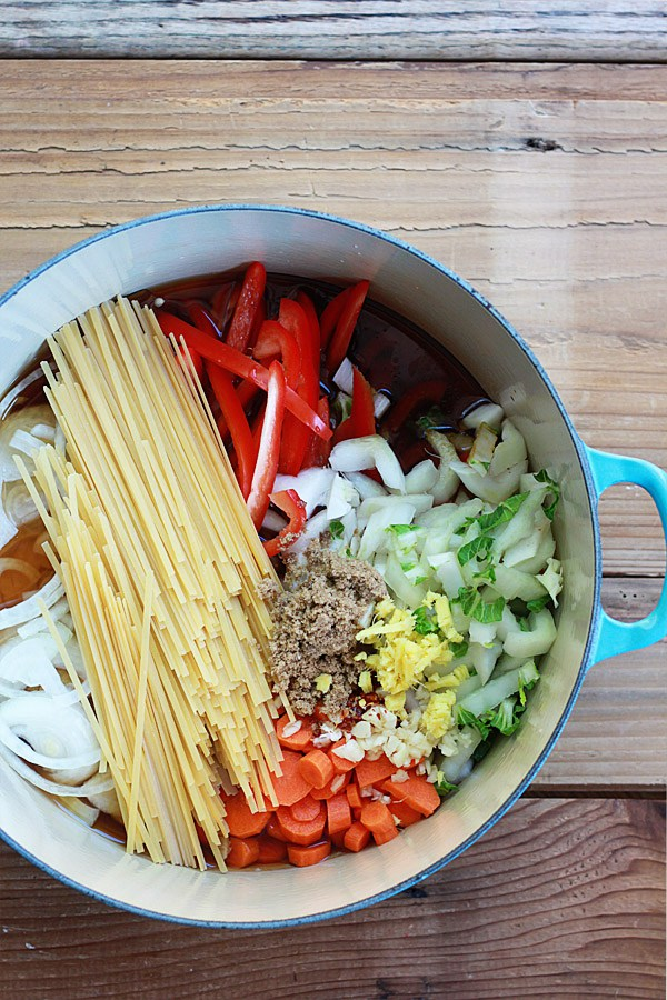 18 Vegetarian One-Pot Pasta Recipes for Busy Weeknights: One-Pot Peanut Sesame Noodles and Veggies