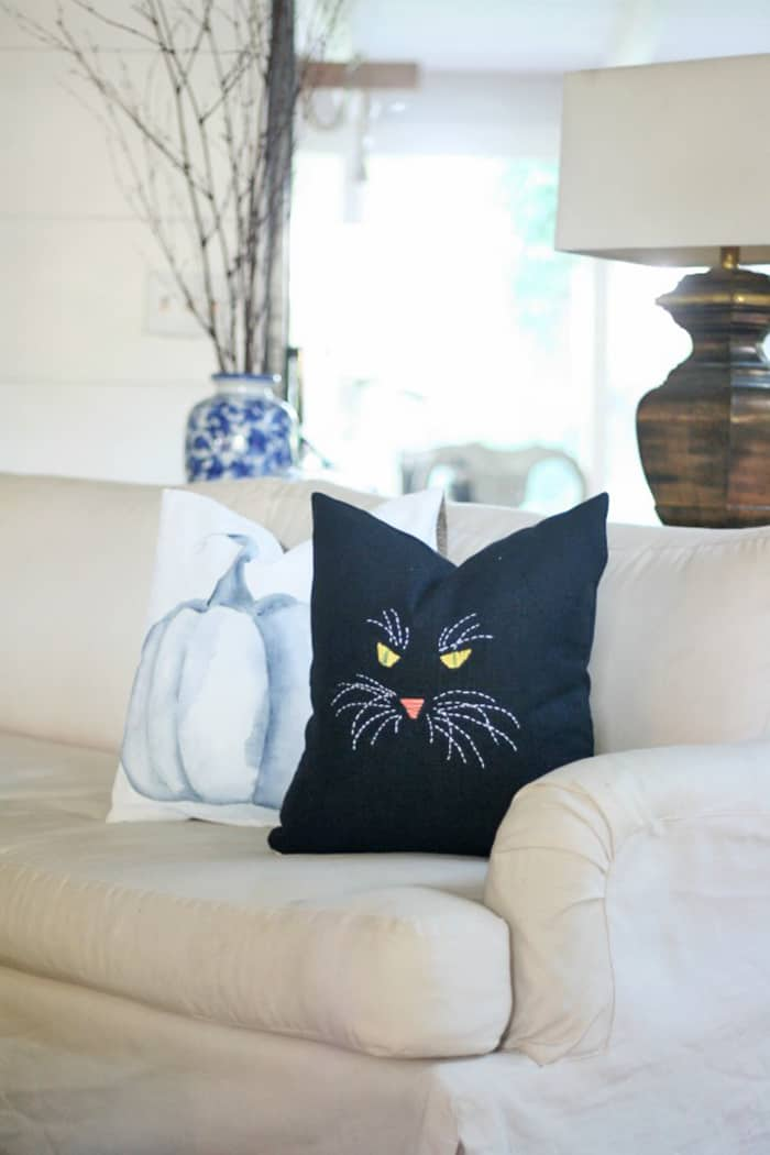 diy embroidery cat pillow