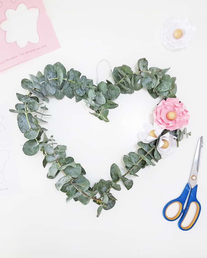 eucaliptus heart wreath
