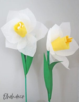 make giant daffodil with paper