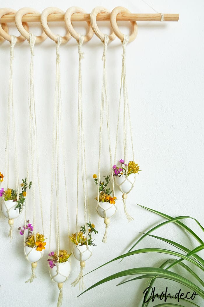 DIY seasonal wall hanging, Easter inspiration