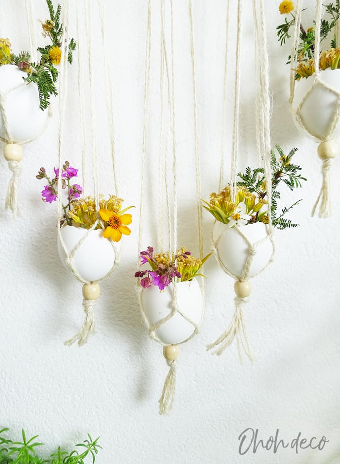 Diy wall hanging with eggshells