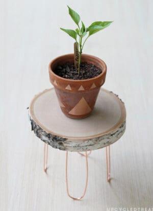 diy wood log plant stand