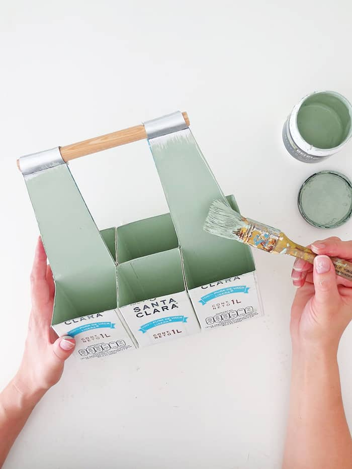 painting the desk organizer