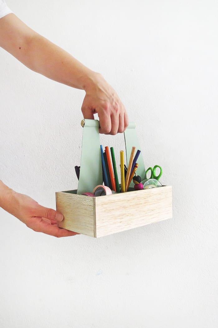 easy to make diy craft organizer caddy