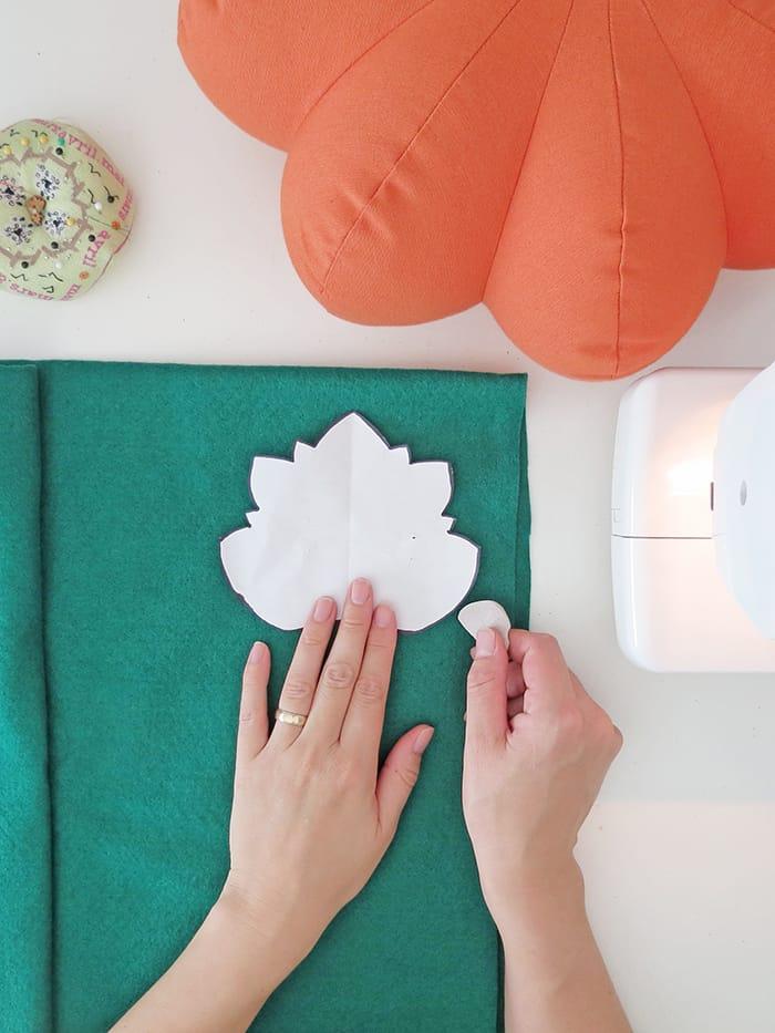 report the leaf shape to make pumpkin pillow