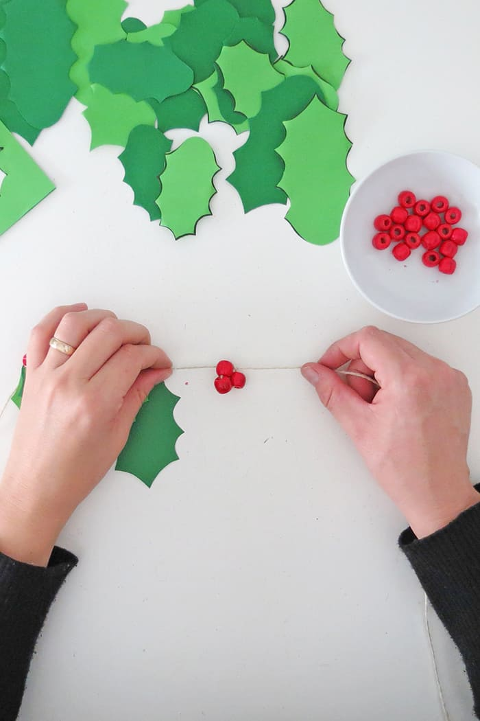 bead to make diy christmas garland
