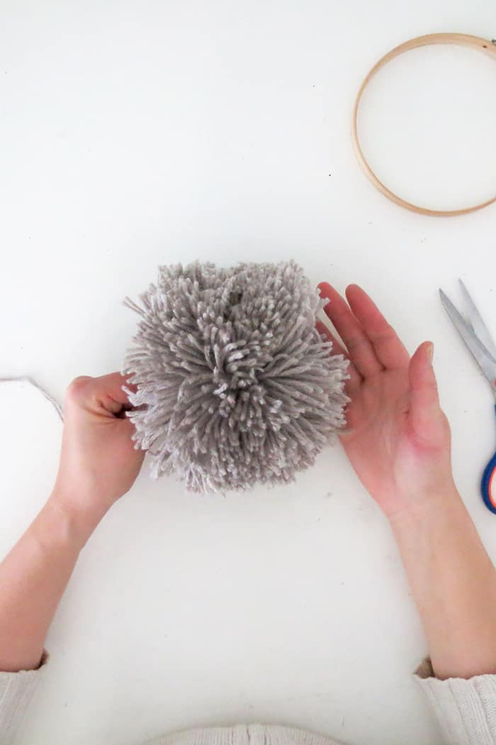 how to make a huge pom pom