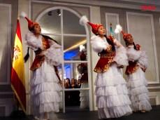 Demostración de baile nacional de Kazajstán.