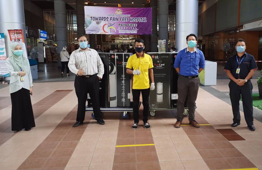 LG Donates Latest PuriCare Air Purifiers to the Front-liners at Hospital Serdang