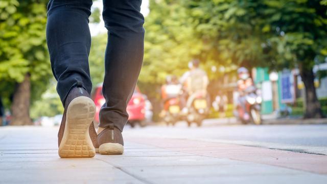 kelebihan berjalan kaki