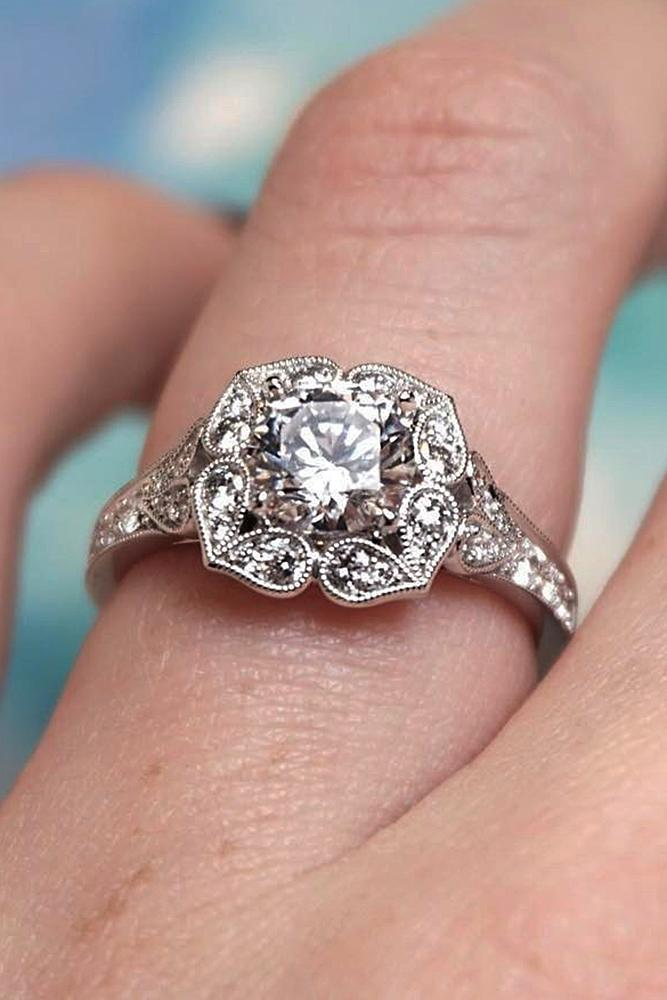 15 Gorgeous And Elegant Floral Engagement Rings