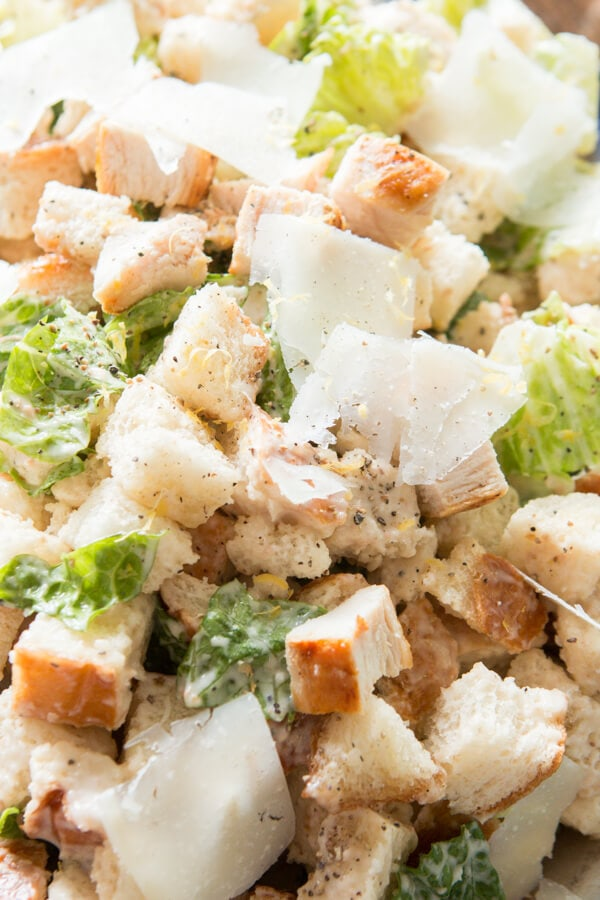 There's nothing better than carbs and this lemon chicken caesar panzanella salad is the best salad I've had all summer. Plus there's a hint of lemon! ohsweetbasil.com