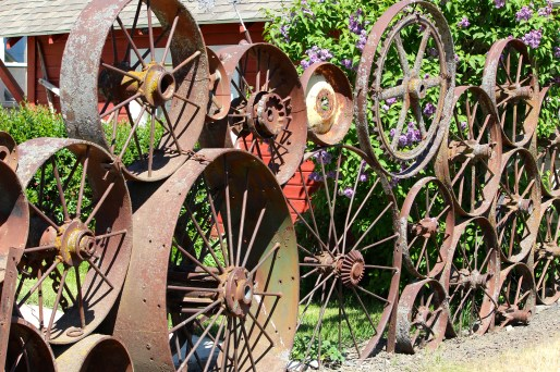 Fence of 1000 wheels