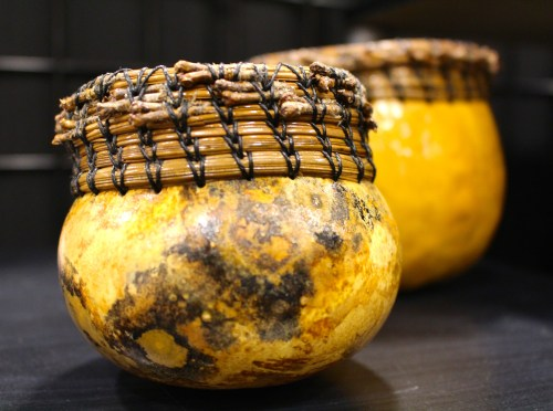 Gourd with pine needle border