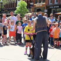 Drawing a crowd with magic on the Square