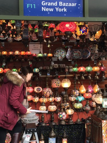 Enjoying the sights of Chinatown costs little -- unless you're shopping for folks back home!