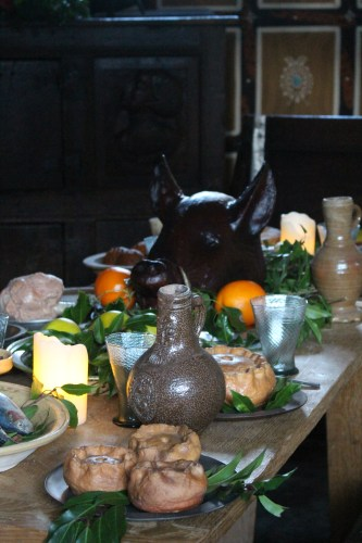 Table set for dinner as it would have been in the 16th century