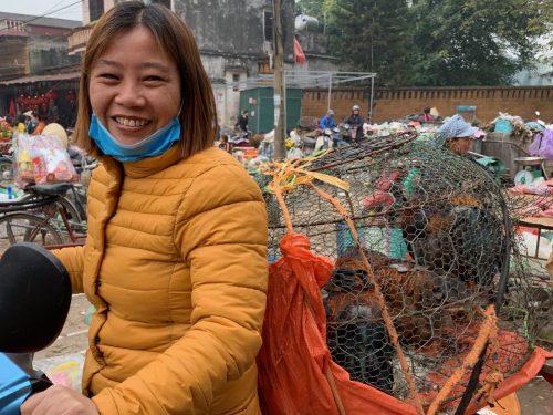 Vietnam: bringing chickens to market