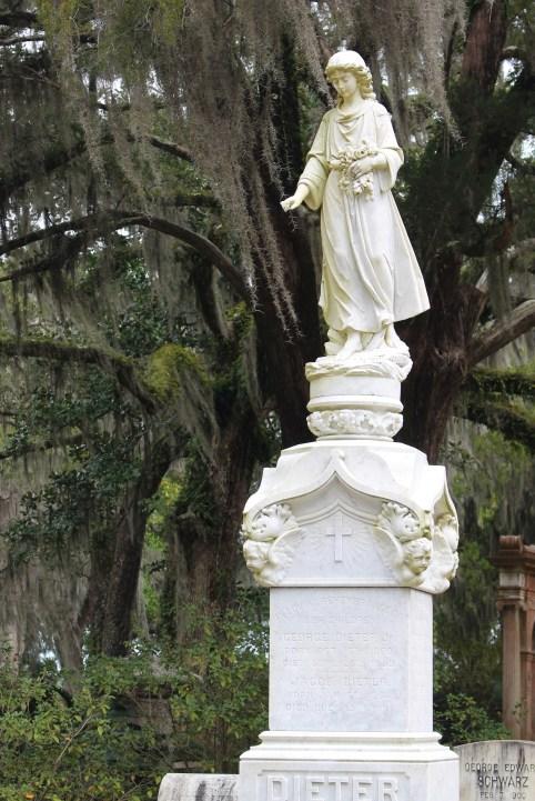 Bonaventure Cemetery - Dieter statue