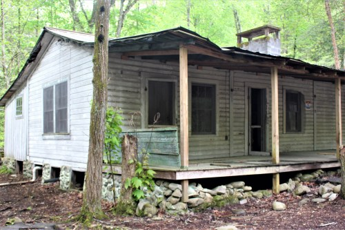 Elkmont, Great Smoky Mountains - abandoned white house