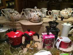 Who wouldn't want a teapot from England?